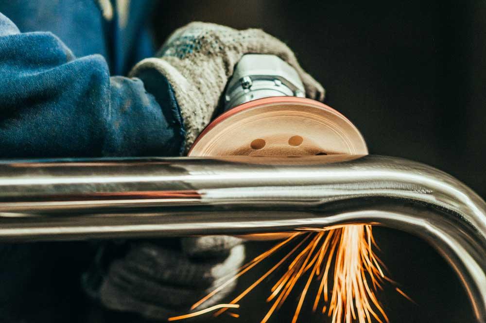 Cómo limpiar el acero inoxidable manchado